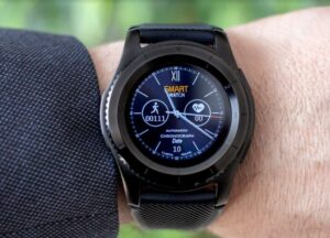 A picture showing a smartwatch on someone's wrist.